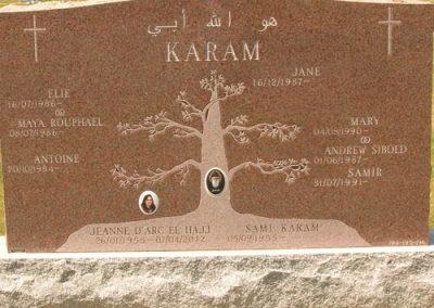 Monument-funeraire-classique-genealogique